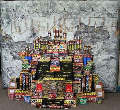 fireworks-at-the-big-sheep-guy-fawkes-stash-2014